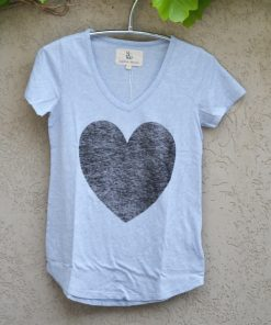 T'shirt powder blue black heart