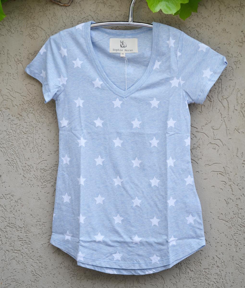 T'shirt powder blue white stars