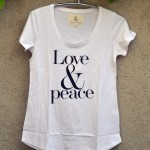 T'shirt white love and peace
