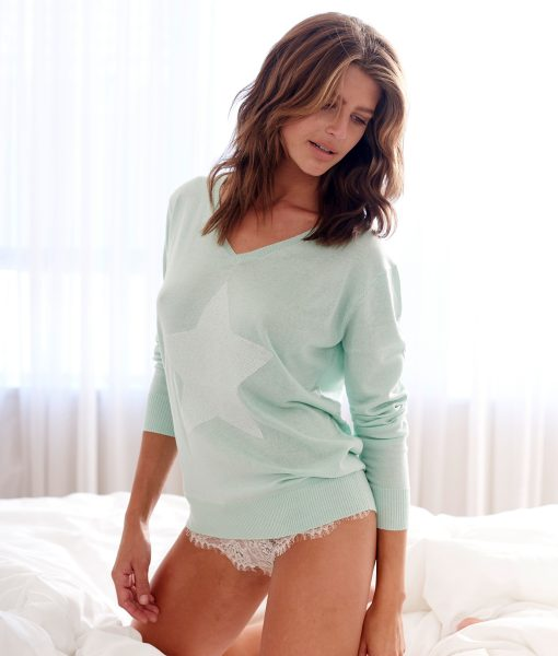 Silk cashmere mint with white star